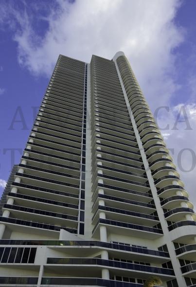Tall high-rise building