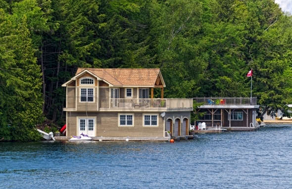 Attractive Cottage and Triple Boathouse