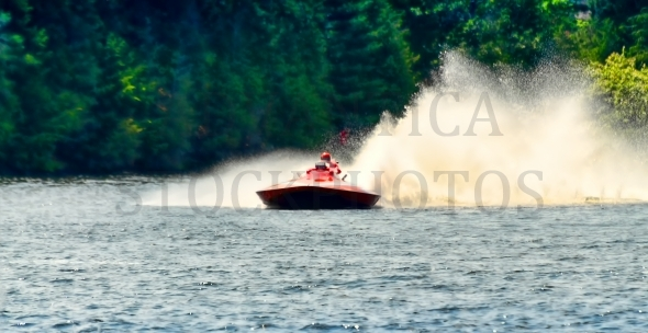 Racing speed boat