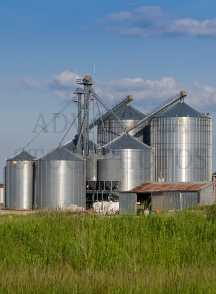 Metal silo