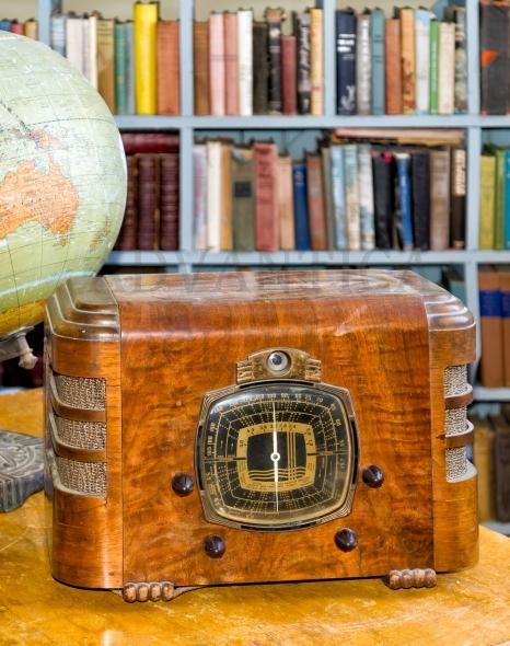 Vintage globe and radio
